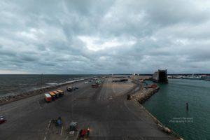 Blick auf den Anleger der Fjord Line im Hafen von Hirtshals