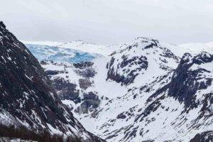 Foto einer Abbruchstelle des Svartissen Gletschers.