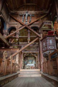 Foto es Innenraums mit Gebälke der Stabkirche von Urnes.