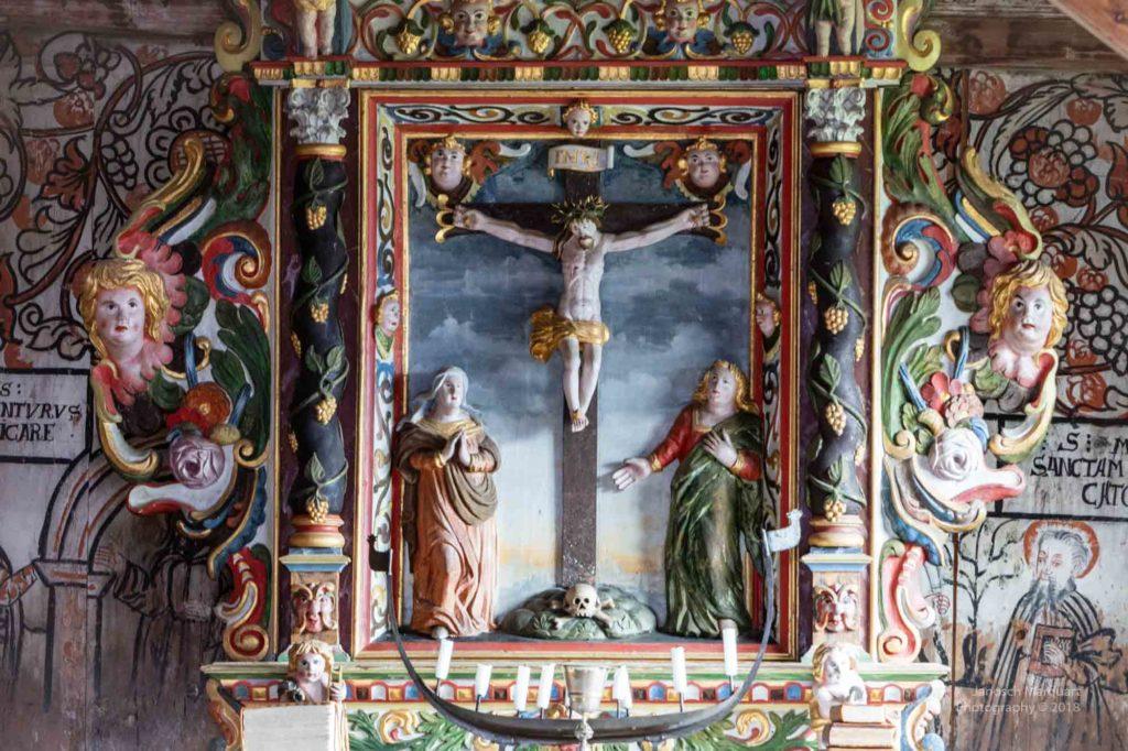 Foto des Altarbildes der Stabkirche von Urnes