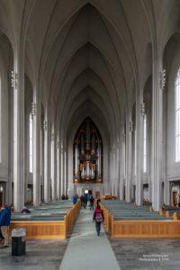 Foto des Hauptschiffs der Hallgrimskirkja