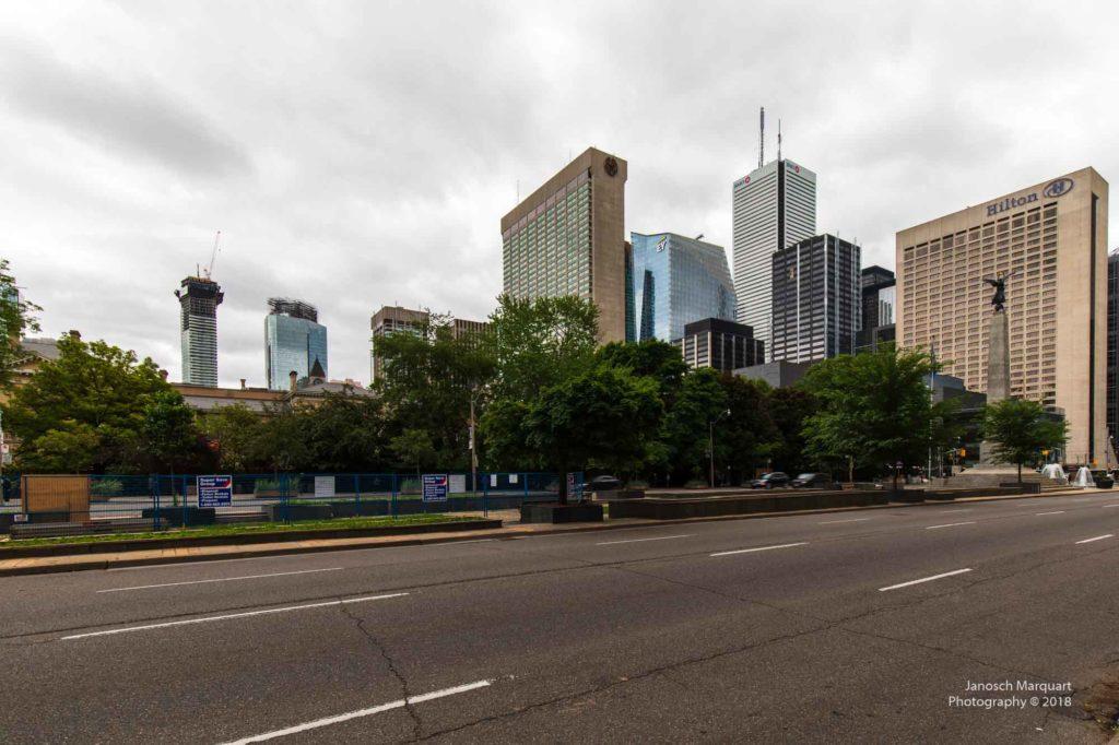 Foto einiger Hochhäuser im Financial District in Toronto