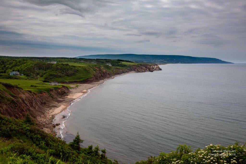 Foto einer erodierenden Küste auf Cape Breton Island.