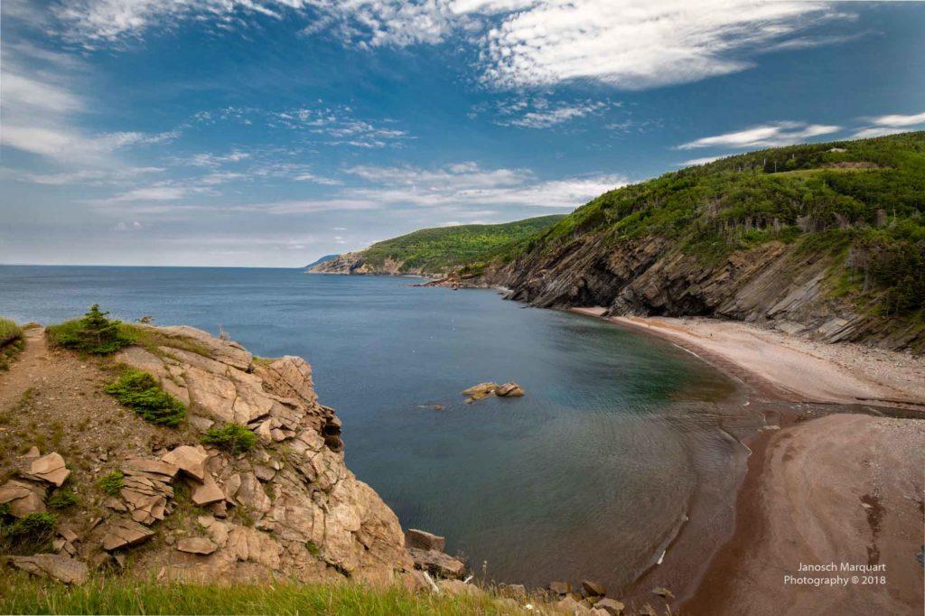 Foto der steinigen Bucht in Meat Cove