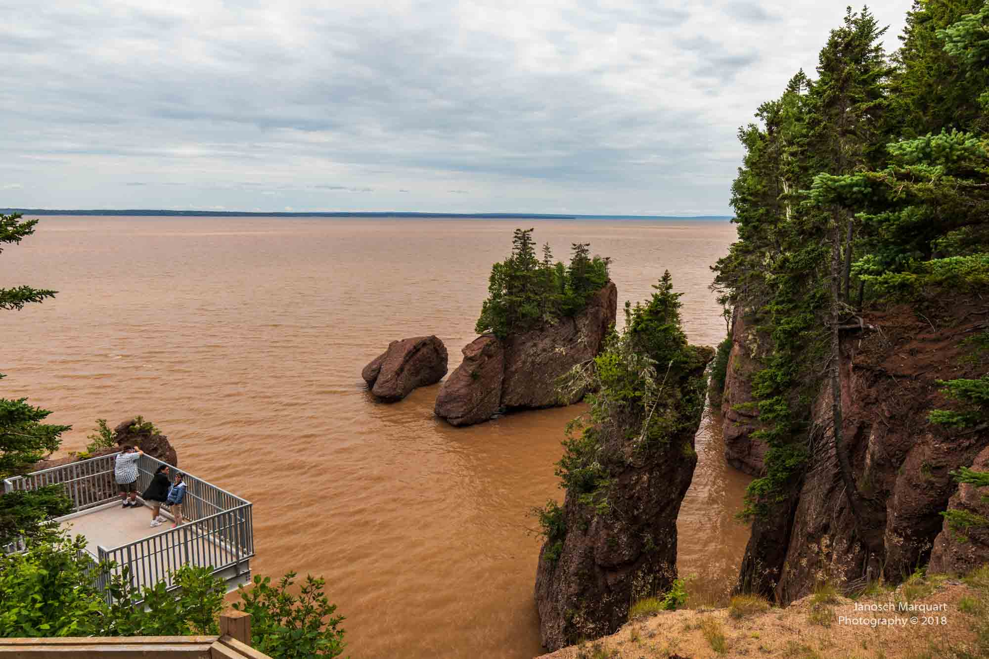 Foto bei High Tide der Hopewell Rocks