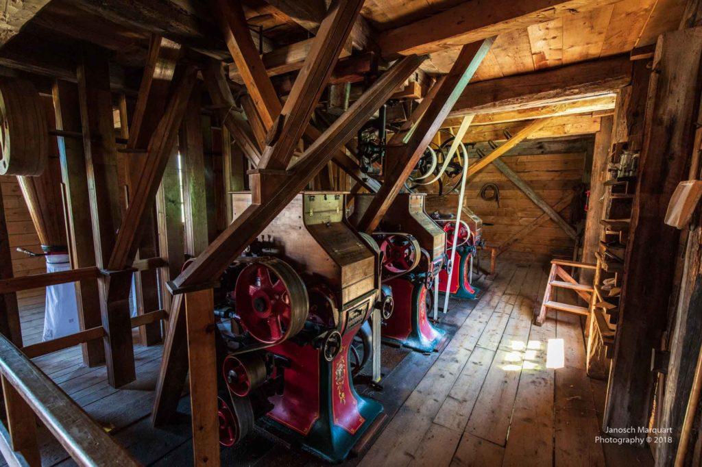Foto einer historischen Mühle.