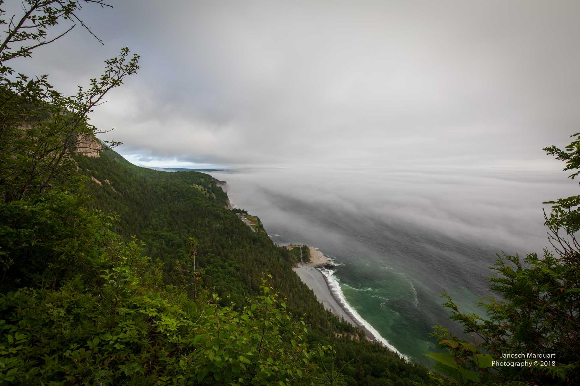 Foto des Cap Bon Ami im Nebel am frühen Morgen.