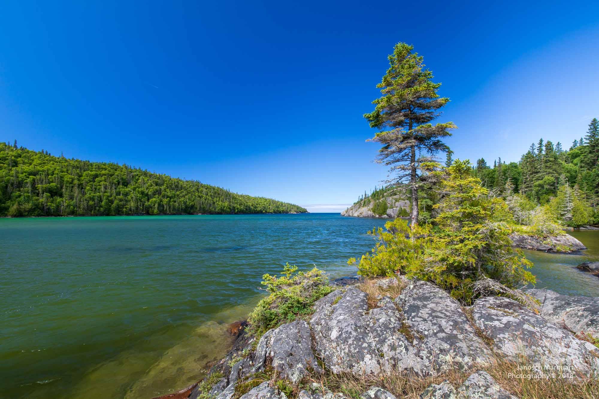 Foto einer Bucht in der Wildnis des Pukaskwa Nationalparks