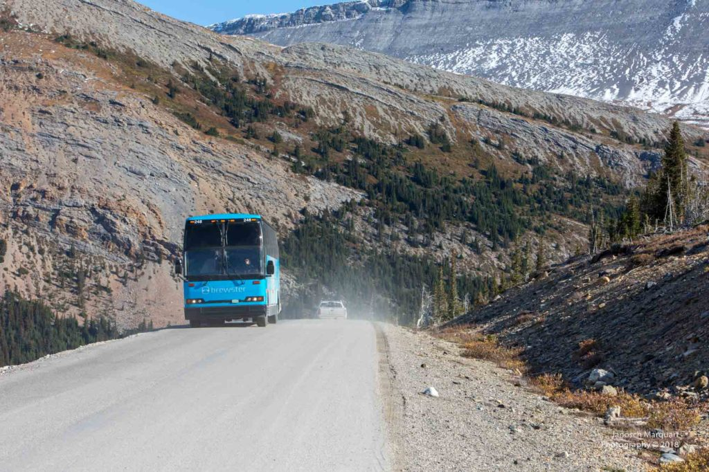 Türkiser Touristenbus.