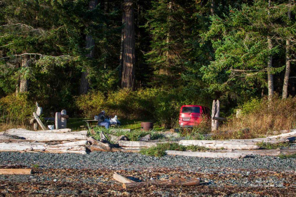 Campervan am Kitty Coleman Beach.