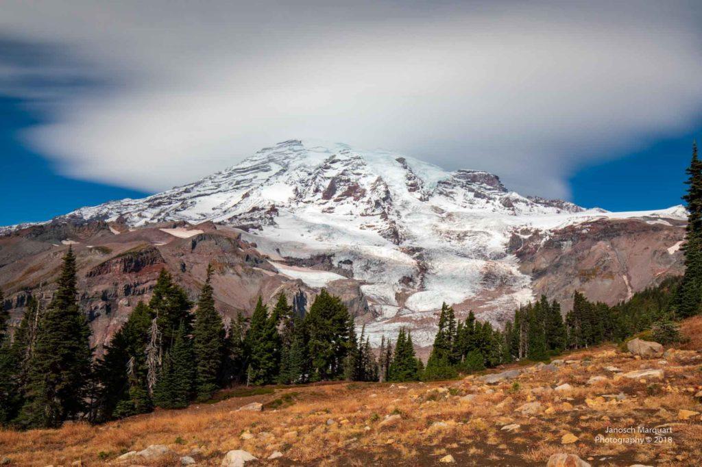 Wolken über dem Mt. Rainier