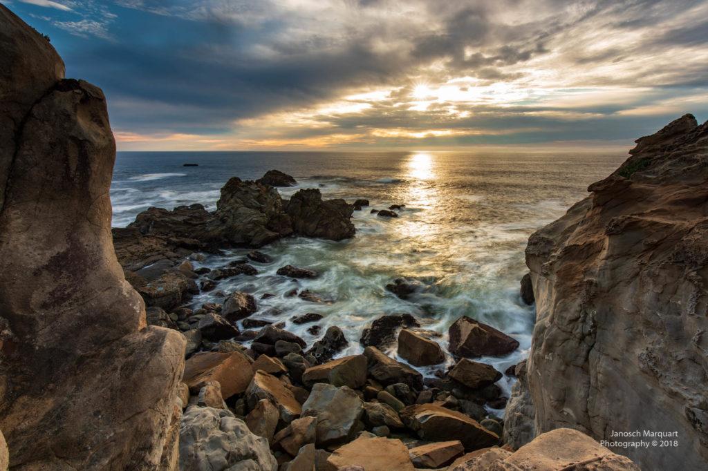 Ansetzender Sonnenuntergang am Pazifik