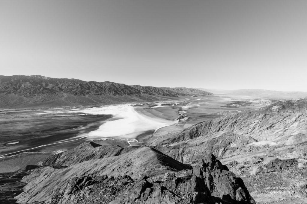 Blick ins Badwater Basin von Dantes View aus.