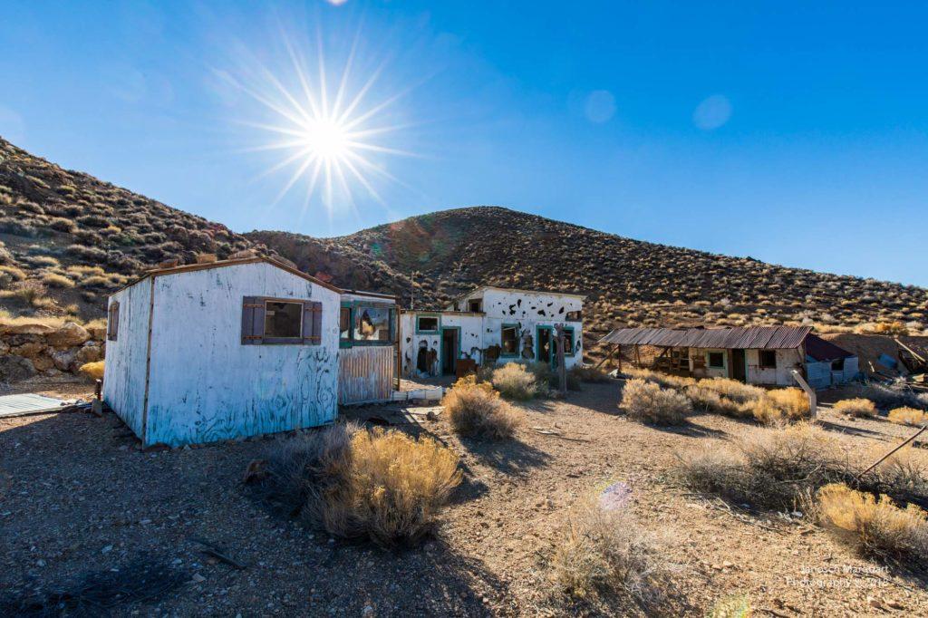 Verlassene Häuser in der Wüste