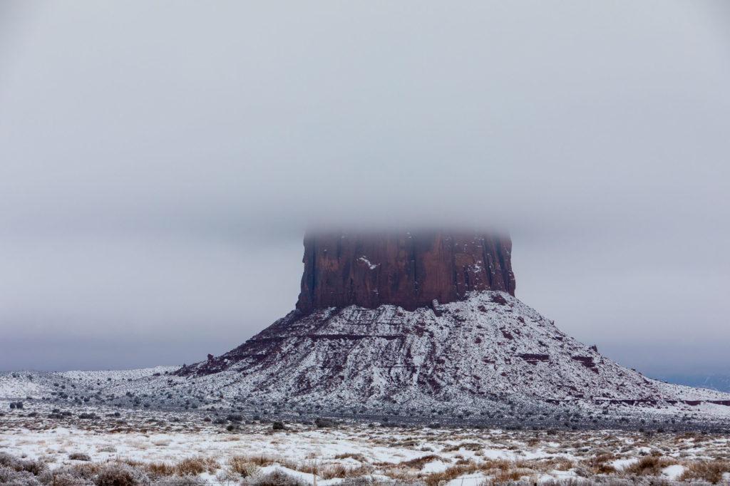 Monument Valley im Nebel und Schnee